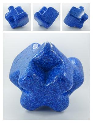 E2C60X333Y17N06 (03) epoxy resin, quartz, 19x19x19 cm, 2017