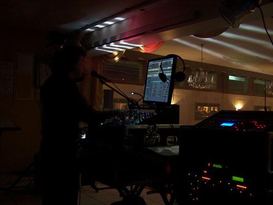 DJ 35