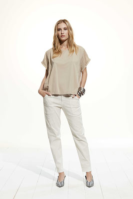 T Shirt 37VU 2798, Pants 081U 3881