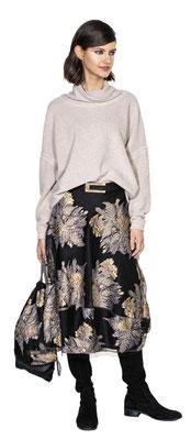 Sweater 306-16, Skirt 317-20, Belt 3026-99, Bag 3010-20