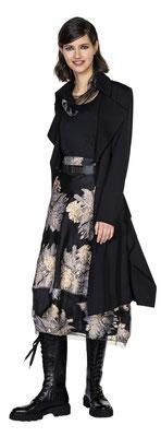 Shirt 1020-101, Skirt 317-20, Coat 341-25, Belt 3026-99