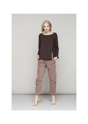 Sweater 45CU2552, Pants 05YU3821