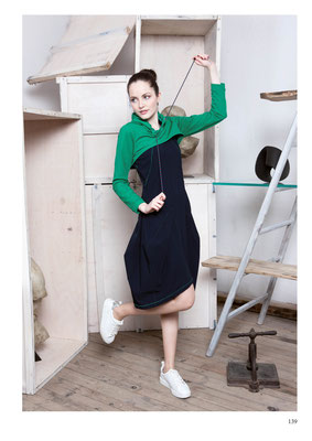 DRESS: 2100 FANCY; SWEATSHIRT: 2099 ENIGME