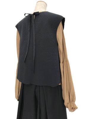 Top  XXX,  Shirt 504-916, Skirt 450-910