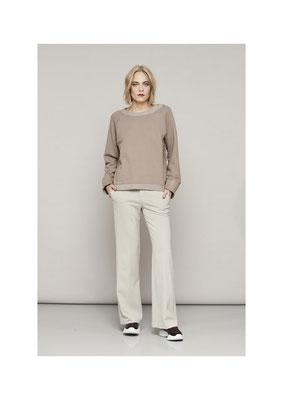 Sweater 45FU1046, Pants 06PU6663