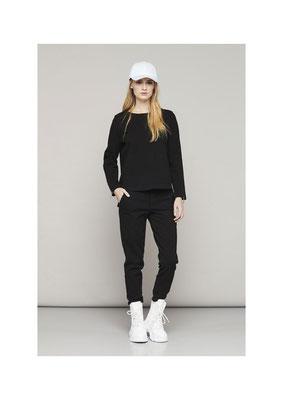 Sweater 45TU25478, Pants 070U 2548