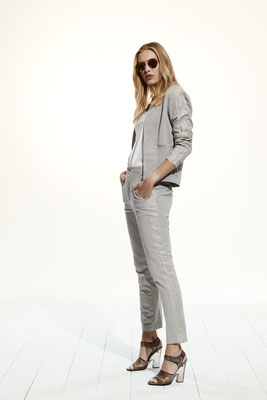 Jacket 46RU 2252, Pants 07PU 2252
