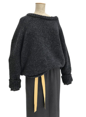 Sweater 836-920, Skirt 452-910