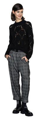 Sweater 3068-30, Pants 331-14