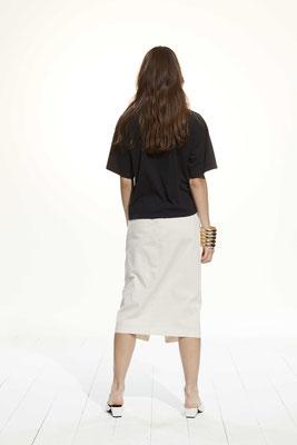 T-Shirt 363U 2790, Skirt 257U 3441
