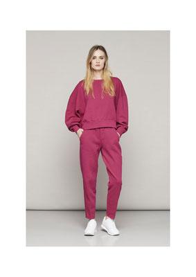 Sweater 47B01045, Pants 06FU1071