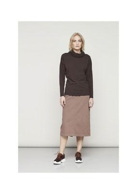Sweater 36BU2842, Skirt 25AU3821