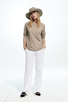 Sweater Knit M530 9500, Pants 06X0 8080