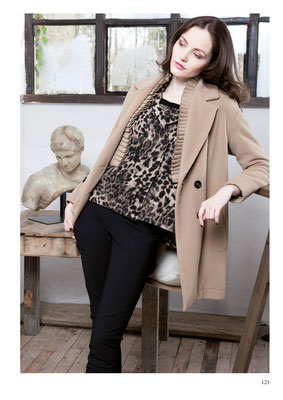 COAT: 2086 PAULINE; BLAZER: 2087 LAUREN; PANTS: 2089 JAGUAR