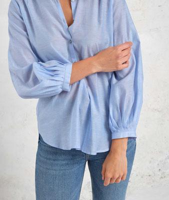 Giulia bleu