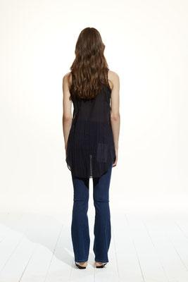 Shirt 680U 7504, Pants 076U 4165