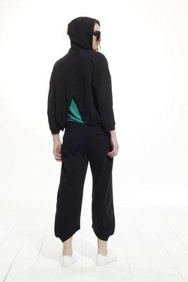 Hoody 45LU 1045, T shirt 37F0 2991, Pants 06QU 1045
