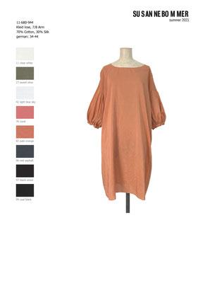 11-680-944, 82 Dress 7/8 sleeves, pale orange