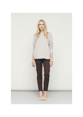 Sweater 46FU2252, Pants 06GU2557