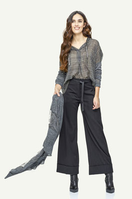Blouse 121-2, Culotte 101-1, Scarf 193-2