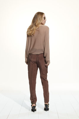 Sweater 35E0 9500, Pants 06G0 6602
