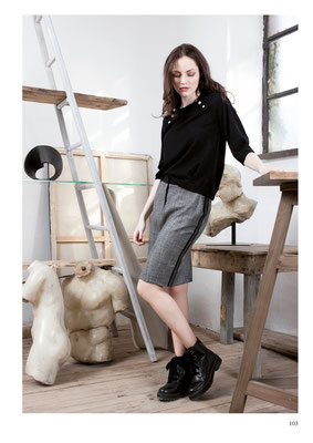 SWEATER: 2070 SUD; SKIRT: 2071 CATHY