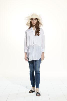 Shirt 65H0 3183, Pants 053U 4165