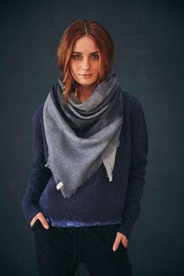 Sweater CC187L, Scarf R11-C-S