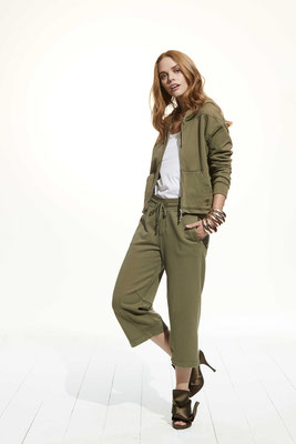 Jacket 45WU 1045, Pants 067U 1045