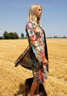 197-CO MAXIM coat + 201-J JETTE dress, print 02