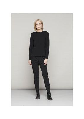 Sweater 35LU2842, Pants 070U2548