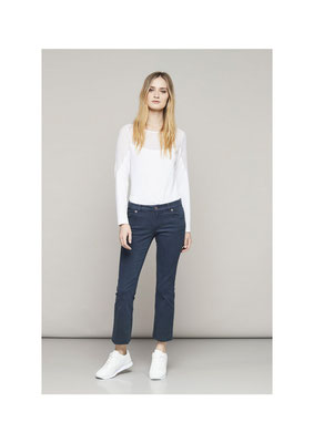 Top XXXX, Pants 05CU 3821