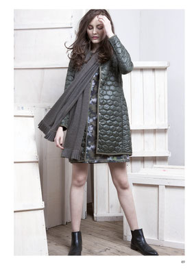 COAT: 2027 FLOCON; DRESS: 2028 KINDER; SCARF: 2032 ISA