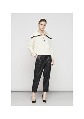 Pants 06R08927 , Sweater M5009500