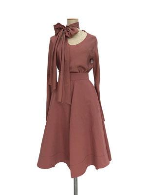 Shirt 503-916, Skirt 420-925