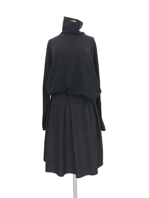 Sweater 832-920,  Skirt 450-910
