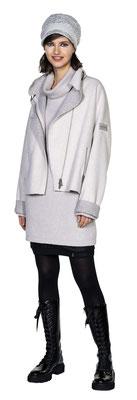 Longsweater 3072-41, Microskirt 1011-101, Jacket 323-10, Hat 3003-23