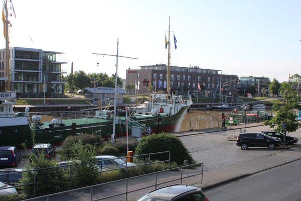 Der Stadthafen an der Schwinge - 300m entfernt