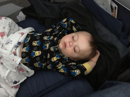 Fly Tot helps babies sleep on flights - Calgary to Rome