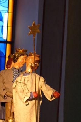 sie sehen schon ihr Ziel, doch ist der Weg noch weit ... (Milieukrippe in Sankt Maria in Lyskirchen, Foto © lyskirchen)