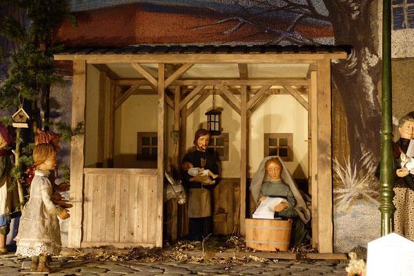 """""""Der Alltag macht's Jahr"""" ... Eine ganz normale Familie, Gott ist Mensch geworden ... (Milieukrippe in Sankt Maria in Lyskirchen, Foto © lyskirchen)"""