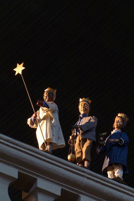 ... ein Stern über der Balustrade (Milieukrippe in Sankt Maria in Lyskirchen, Foto © lyskirchen)