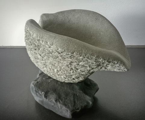 Samenhülle, Sandstein gehauen, 2012