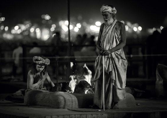 Der Ganges ist Kultstätte und Wäscherei. Jeder Hindu sollte einmal im Ganges gebadet haben. Ein Bad im Ganges soll Sünden vergeben und Heil bringen. Ein grosses Problem sind Abwässer und Müll.