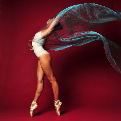 Foto: Andreas Ender | photo-art+painting | DANCE: Serie 4 - 50x50cm, je 377,00€