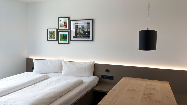 Musterzimmer - Saminapark Aparthotel, Frastanz. Fotos: Andreas Ender, photo-art+painting