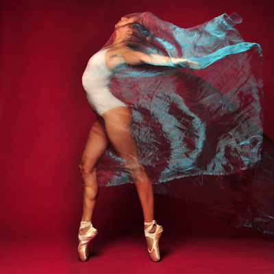 Foto: Andreas Ender | photo-art+painting | DANCE: Serie 6 - 50x50cm, je 377,00€