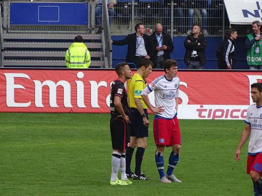 und auch der Schiedsrichter machte keinen Fehler (siehe Köln)