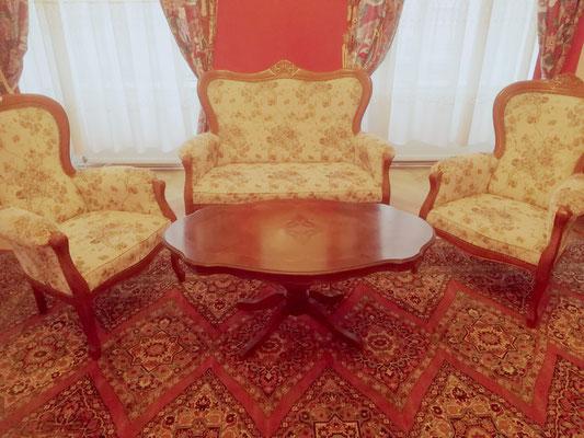 Sitzgruppe Barockstil, 2-1-1 , mit Couchtisch