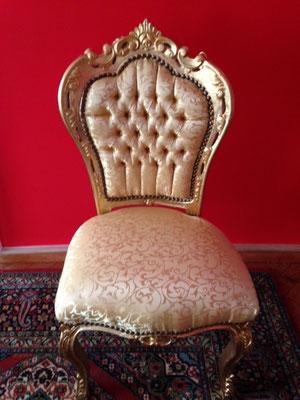 Goldener Esstisch-Sessel